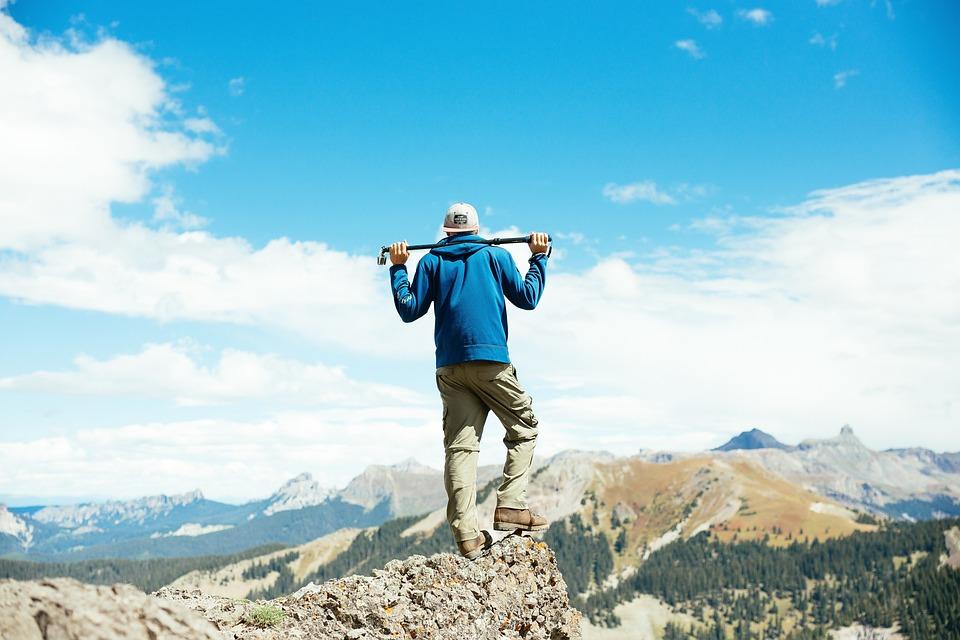人, 男, 旅行, アドベンチャー, だけで, プロ行く, 雲, 空, 岩, 山, マウンテニア, パーカー