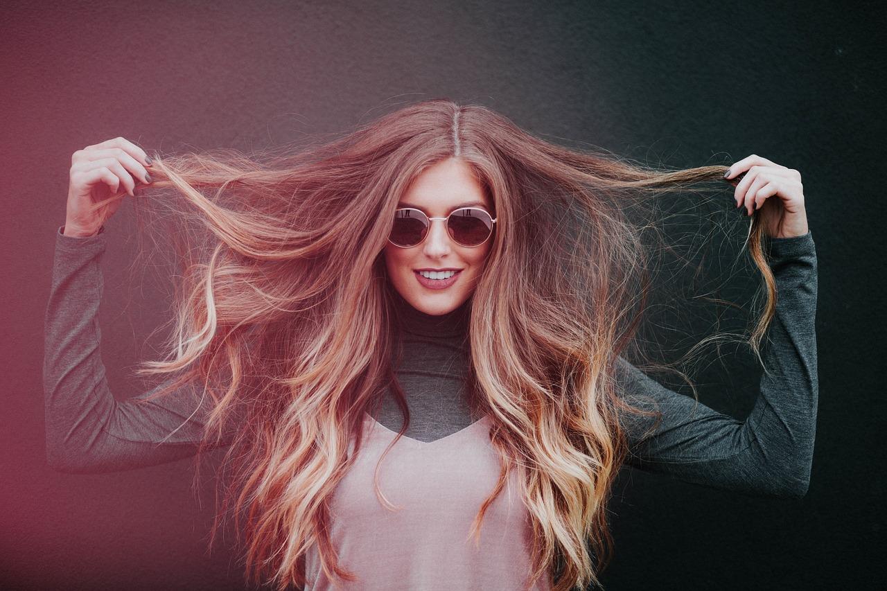 女性, 長い髪, 人, 女の子, モデル, 美しさ, 笑顔, 幸せ, 髪のスタイル
