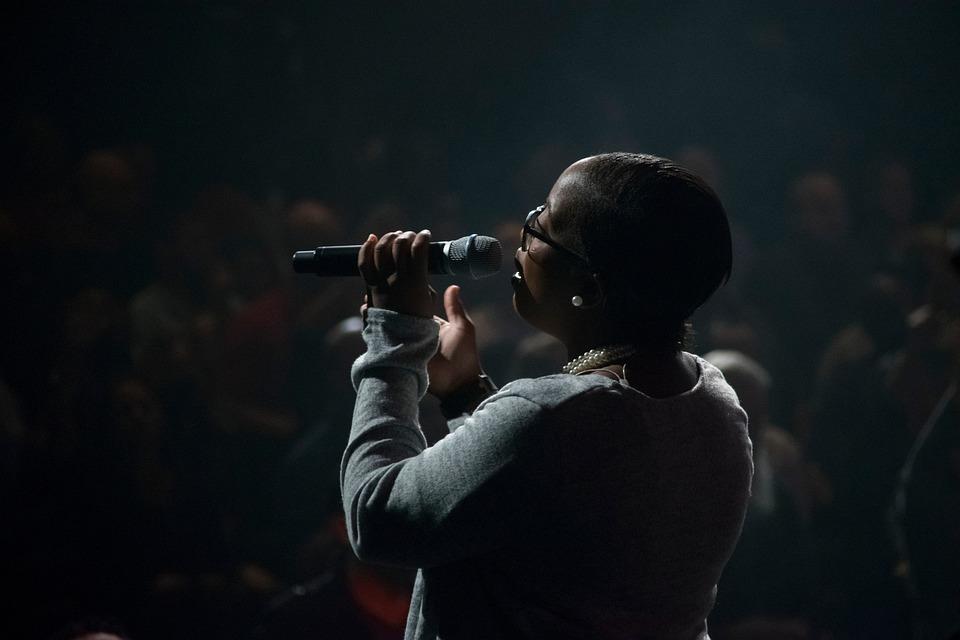 暗い, 泊, ステージ, コンサート, 人, 女性, 歌, 歌手, ブラック, 黒夜, 暗黒, 黒コンサート