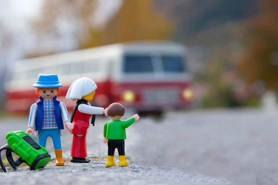 おもちゃ, 家族旅行, 親子旅行, 子供旅行, バス, 旅行, アドベンチャー, 車両覚えておくと役立つ! 家族旅行を楽しむ7つのポイント