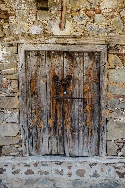 D r tre gammelt hus gratis foto p pixabay for Puertas blindadas antigua casa gutierrez