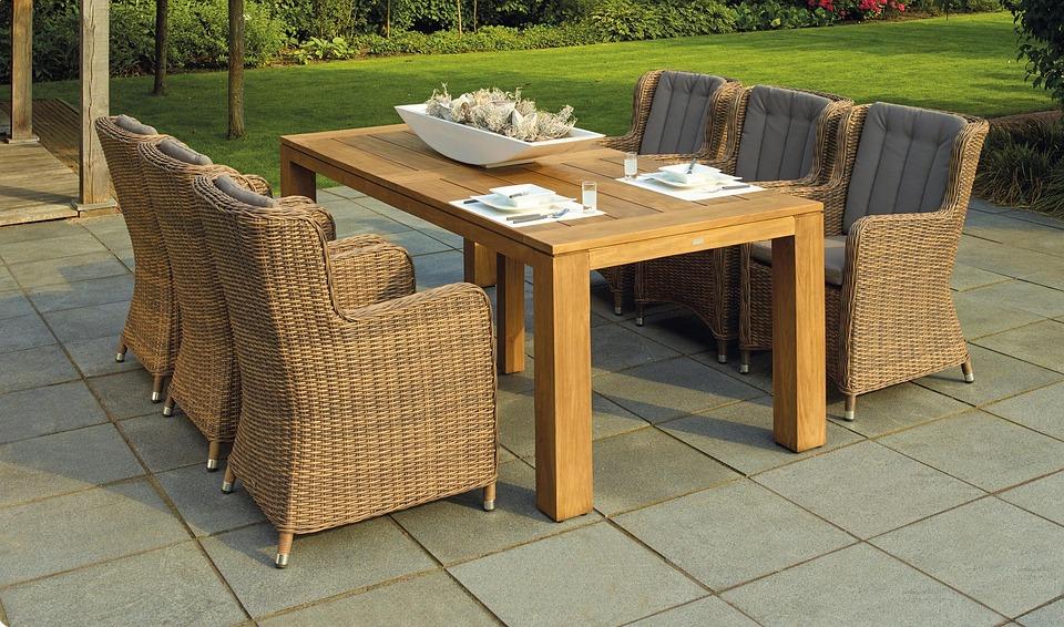 Tafel Voor Buiten : Stoel houten tafel · gratis foto op pixabay