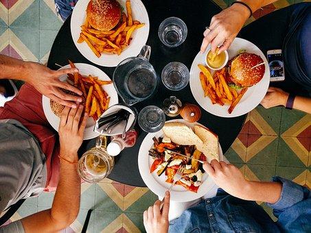 レストラン, 人, 男性, 女性, 食べること, 食品, ハンバーガー