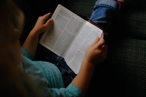 Anak, Gadis, Membaca, Buku, Alkitab
