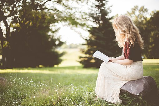 book reading girl images pixabay download free pictures