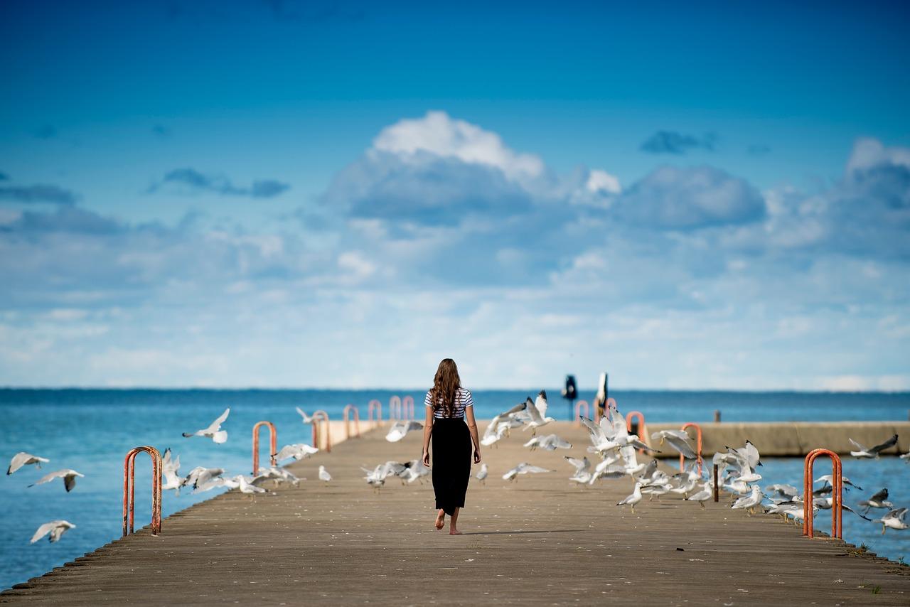 People Girl Walking - Free photo on Pixabay
