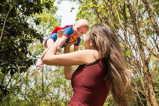 ヒーロー, スーパーマン, 母, 赤ちゃん, 林, 森林, 幸せ, 人, 女性