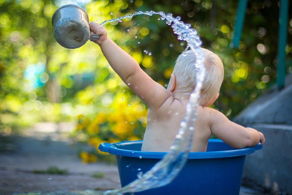 Baba, Fiú, Gyermek, Fürdővizek, Splash, Víz, Vödör