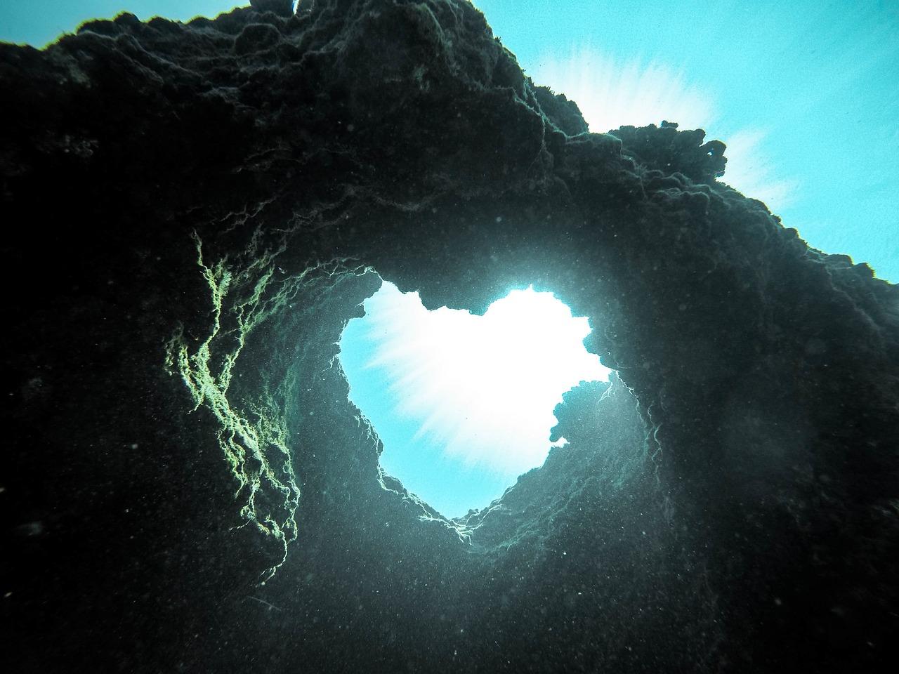 сердце в море фото собрали пять самых