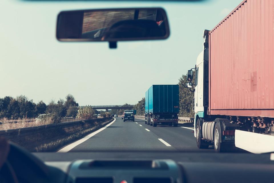 Carretera, Por Carretera, Camiones, Parabrisas, Coche