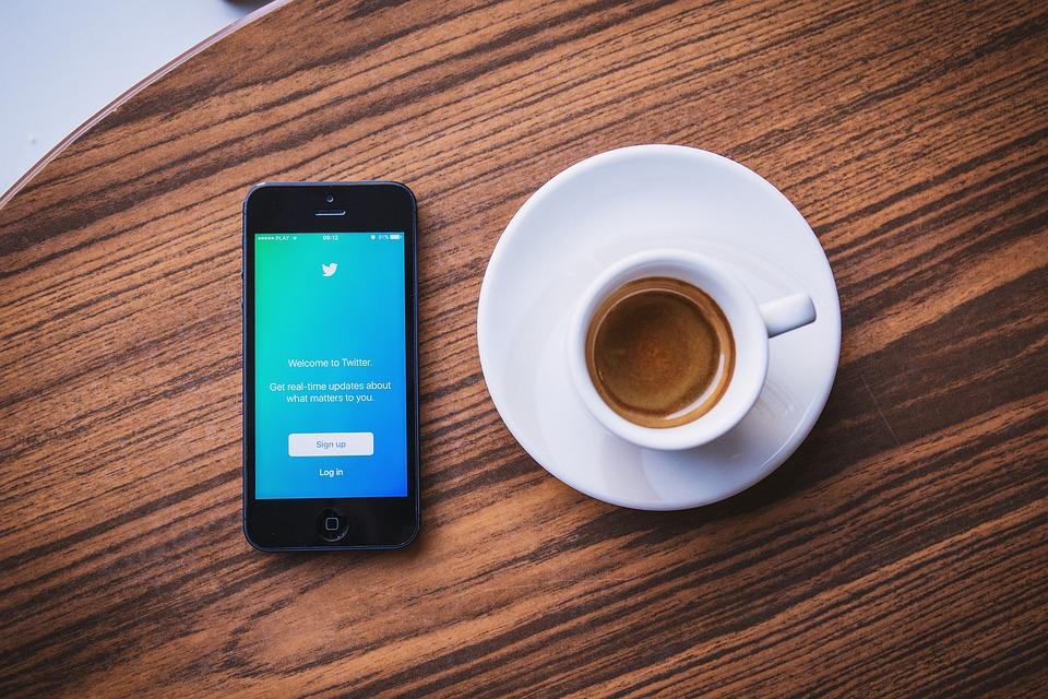 Twitter, Medios De Comunicación Social, Negocio, Iphone