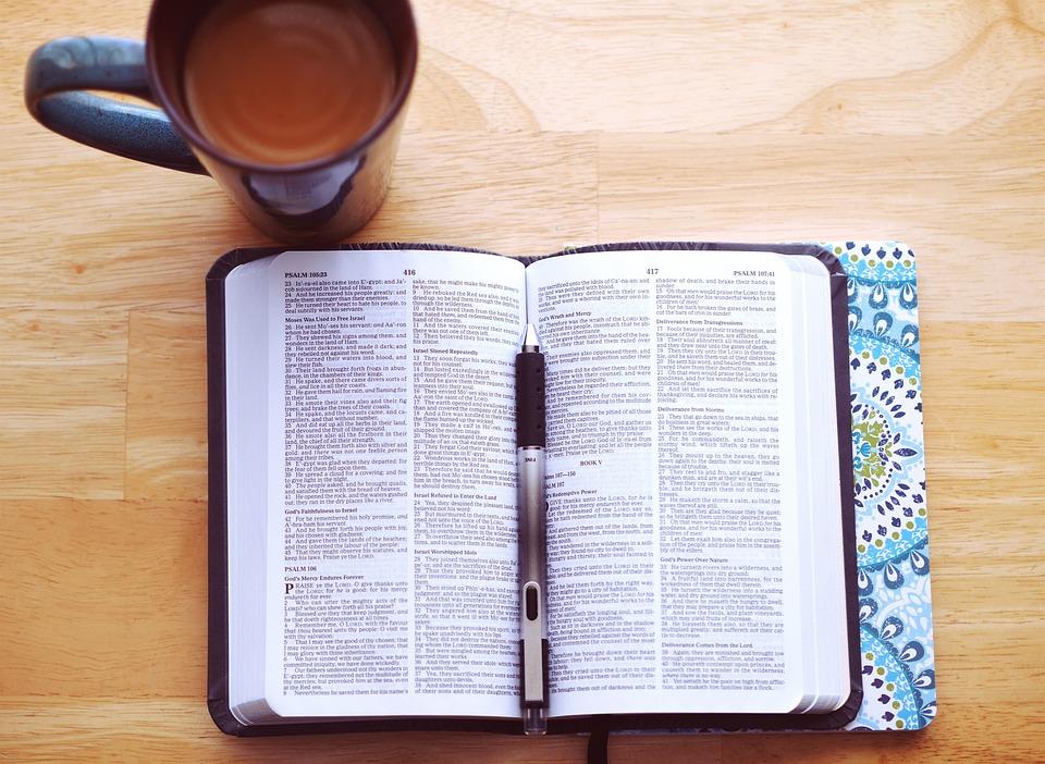 2,000+ Free Bible & Book Images - Pixabay