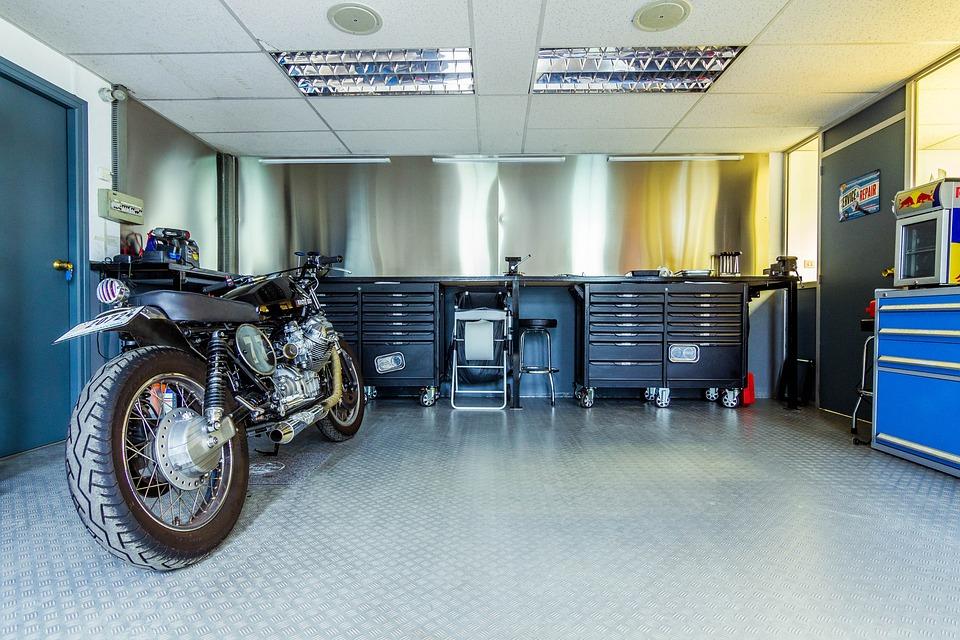 motorrad garage werkstatt kostenloses foto auf pixabay. Black Bedroom Furniture Sets. Home Design Ideas