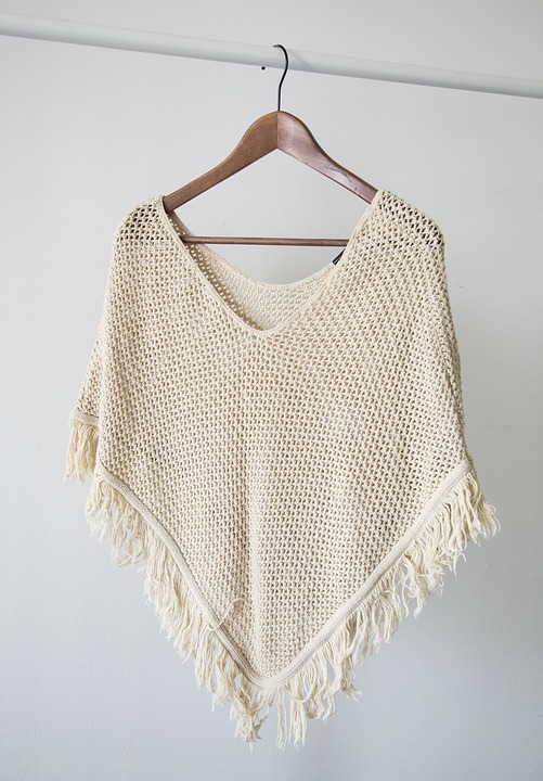 Timeless Boho Poncho | Easy Crochet Poncho Patterns for Women | Crochet Projects