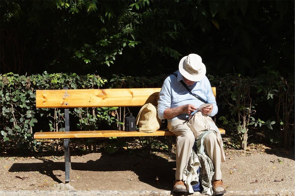 老, 男子, 老人, 阅读, 帽子, 木材, 长凳, 坐