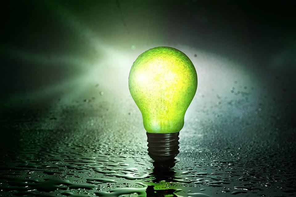 電球, フルーツ, 梨, 水, 点滴, エネルギー, ガラス, 壊れやすい, 環境に優しい, 現在の