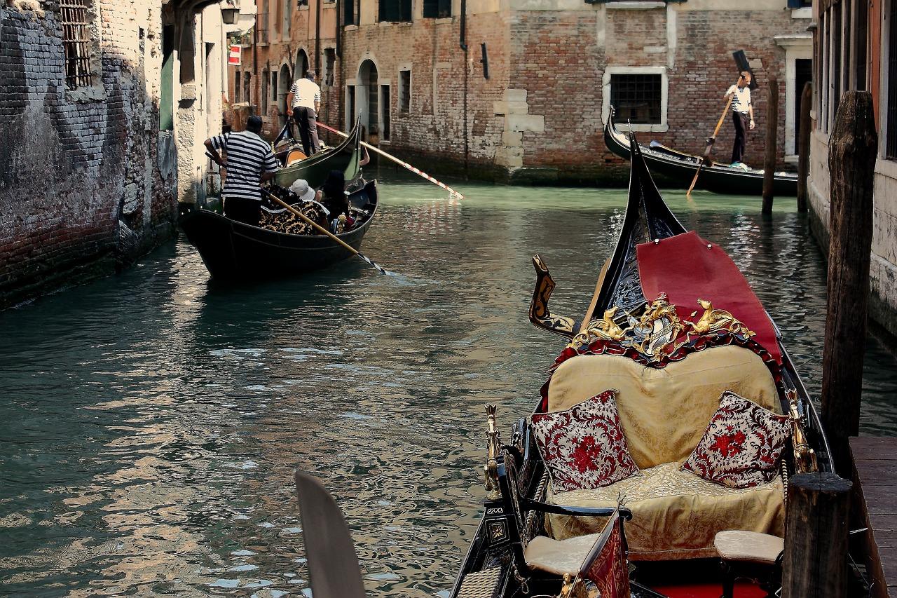 Фото венеции лодки