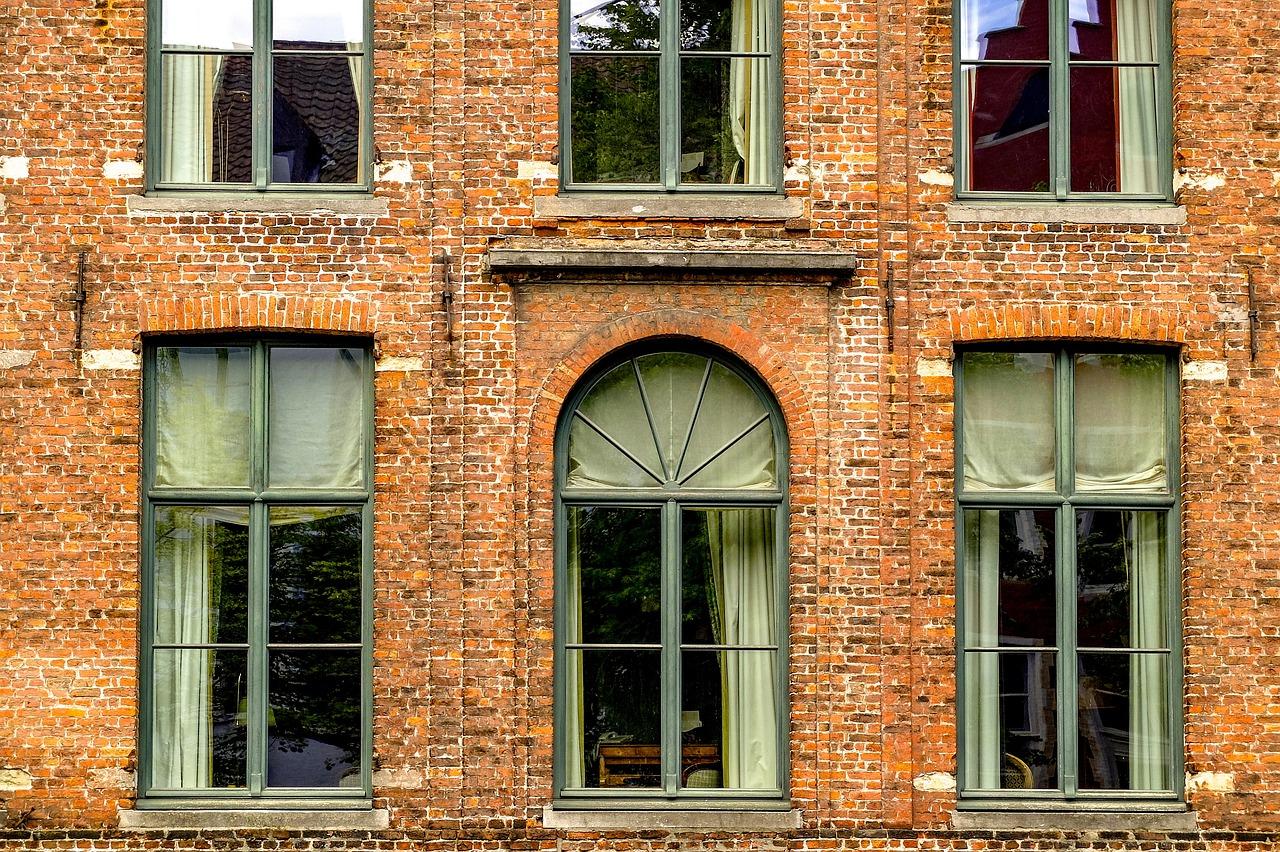 картинки окон в зданиях спазмы