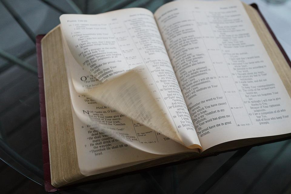 Bible Windy Flying Pages - Free photo on Pixabay