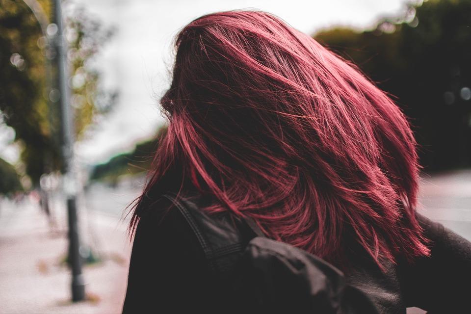 ベルリン, 市, 人間, 女性, ピンク, 髪, に移動, 都市生活, 休日, 背景, 都市, 資本金, 道路