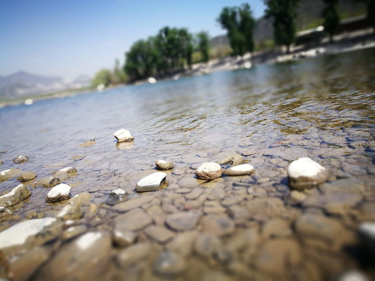 фото белых камней у воды инструкции рисунками очень