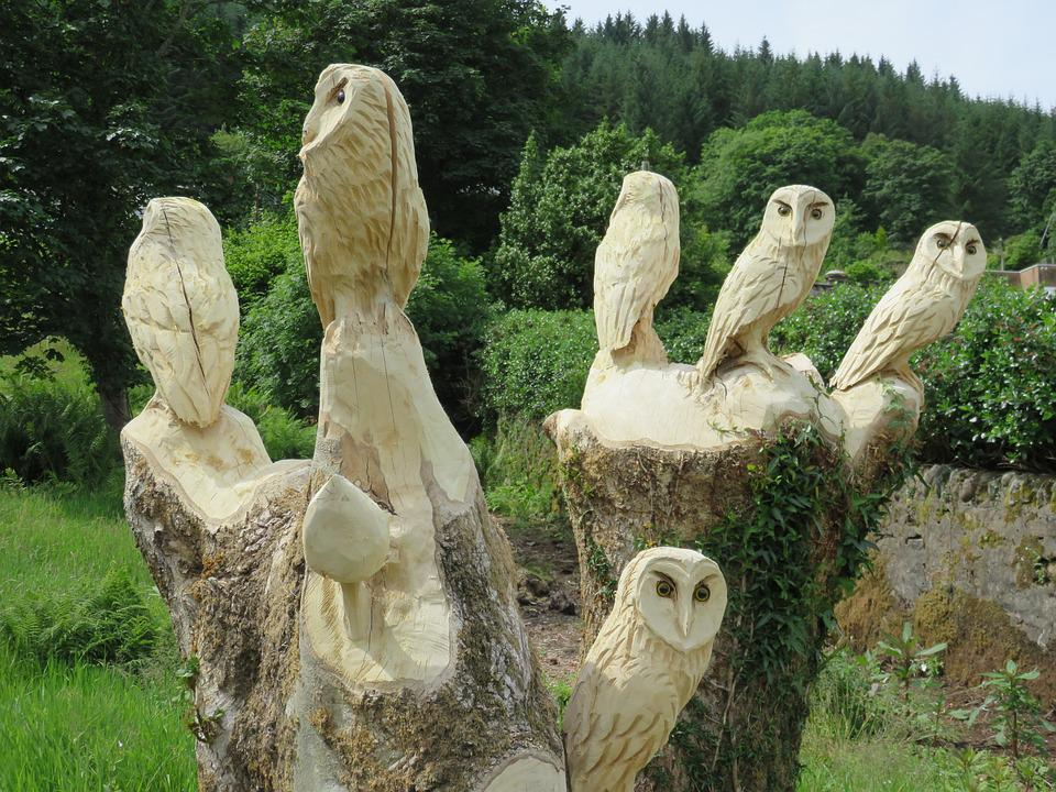Chainsaw carved horned owl cherry wood sculpture carving log home