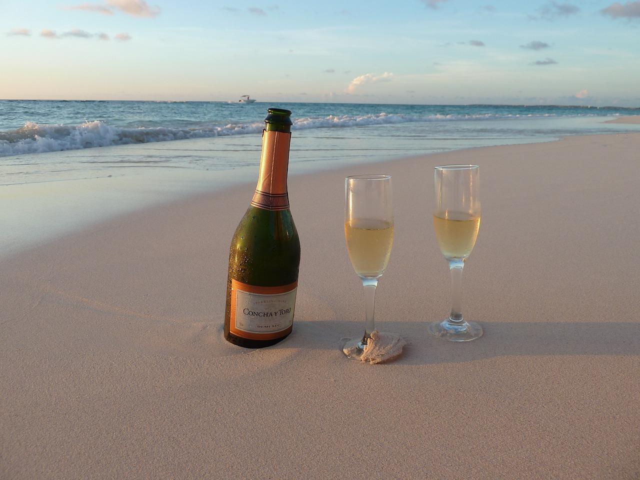 Открытка море и шампанское, фитнес приколы