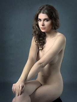 Seksowna dziewczyna nud