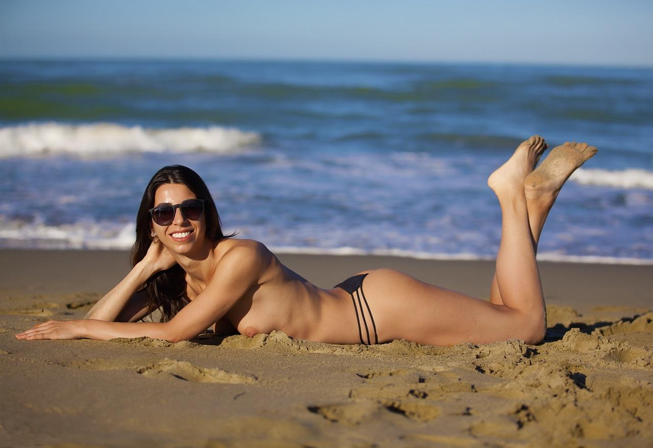 на пляже видео онлайн - 4