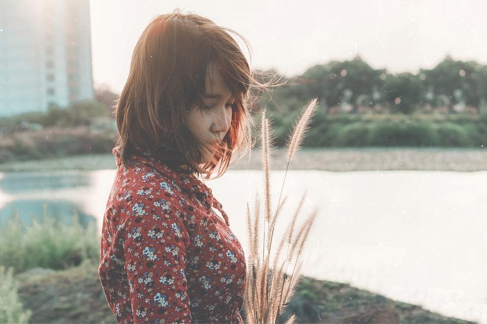 サラ, Sara Nguyen, 女の子, 悲しい, 女性, 人, 孤独です, だけで, 人間, 悲しい少女