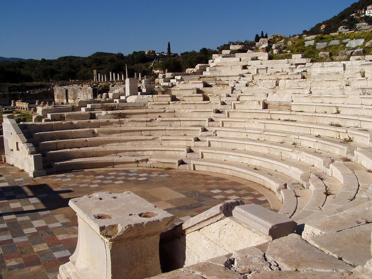 impact of ancient greek theatre on modern theatre It was at its zenith between 550-220 bc greek tragedy was created by thespis--hence today's word thespians for actors one more important aspect of greek theatre that remains today (although not in every play) is the use of the greek chorus.