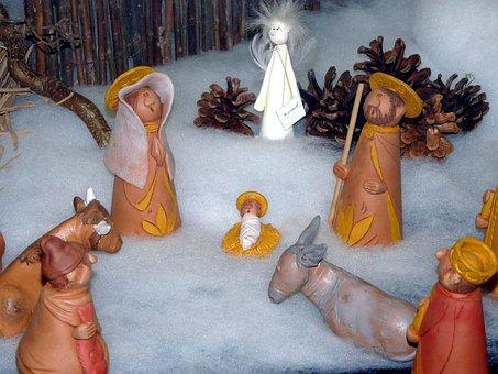 Christkind oder Weihnachtsmann? Wer bringt an Weihnachten die Geschenke? Krippenfiguren