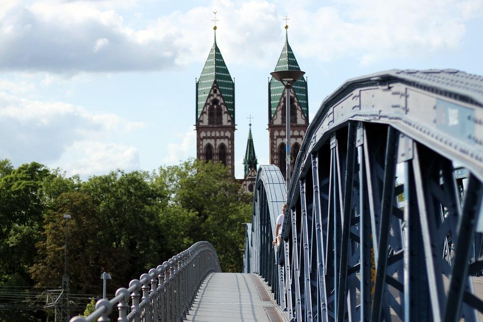 Architektur Freiburg brücke blaue freiburg kostenloses foto auf pixabay