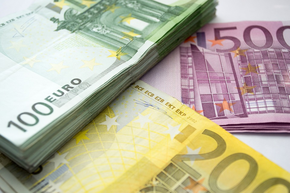 money euro 100 eur 200 free photo on pixabay
