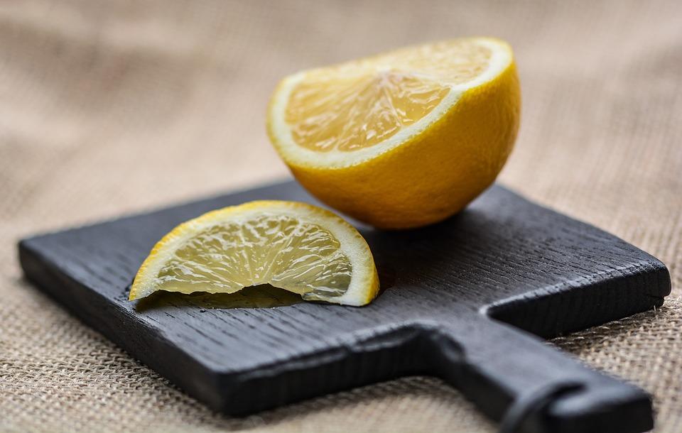 Limón y aloe vera para cabello maltratado