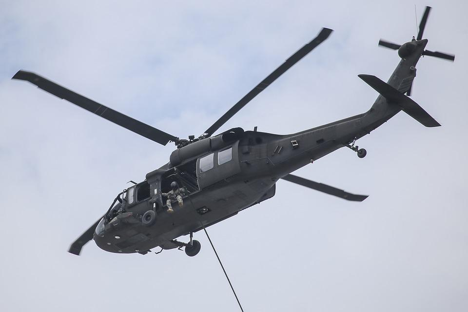 uh-60-blackhawk-2679330_960_720.jpg