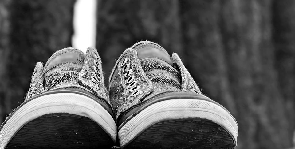 Zapatillas De Deporte, Los Zapatos, Par, Noray, Playa