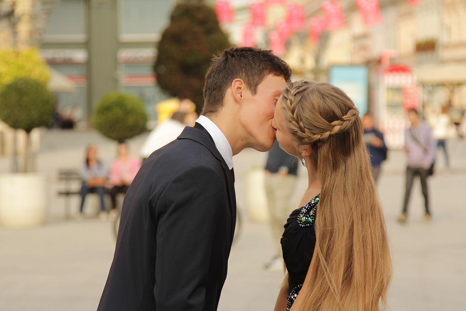 カップル, 愛, キス, ロマンチック, 若いです, 一緒に, 幸せ, 幸福, 愛のカップル, バレンタイン