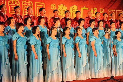 広場, 赤の曲, 高齢者, 合唱, ゲーム, 歌