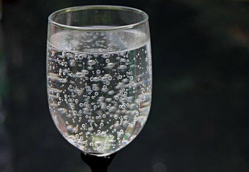 水のガラス, 水, ミネラルウォーター, バブル, ビーズ, 炭酸, ガラス