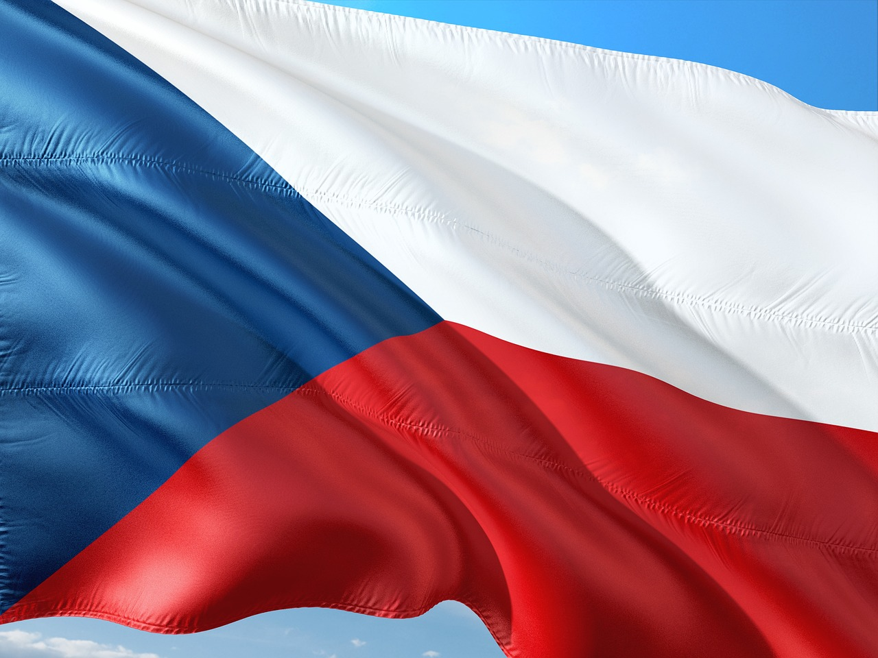 Чехия высылает 63 сотрудника посольства России
