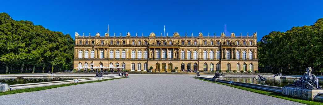 11 tolle Reiseziele in Oberbayern - Schloss Herrenchiemsee