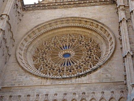 Die weltberühmte Rosette der Kathedrale von Palma