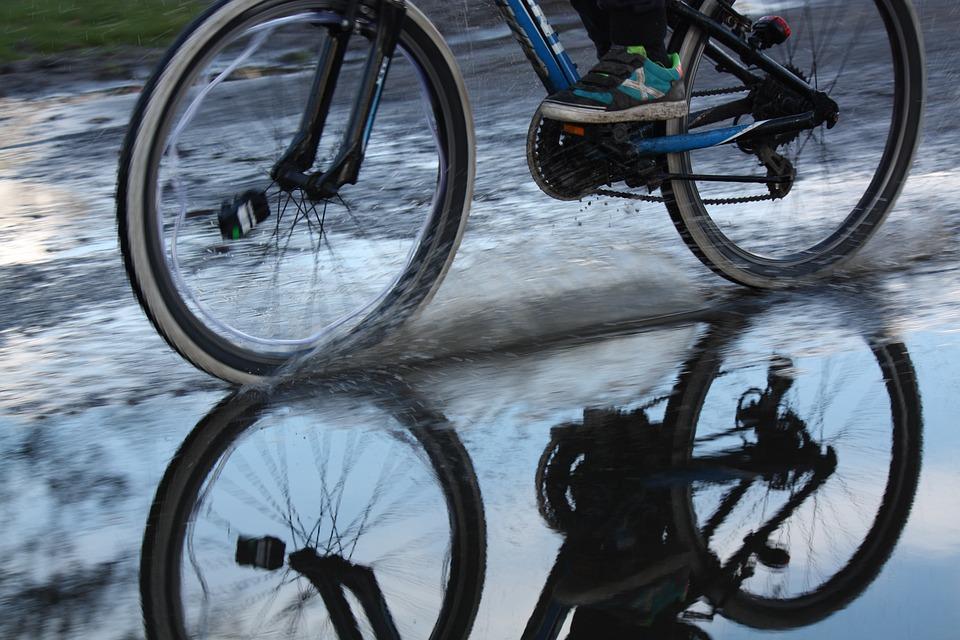 雨, 自転車