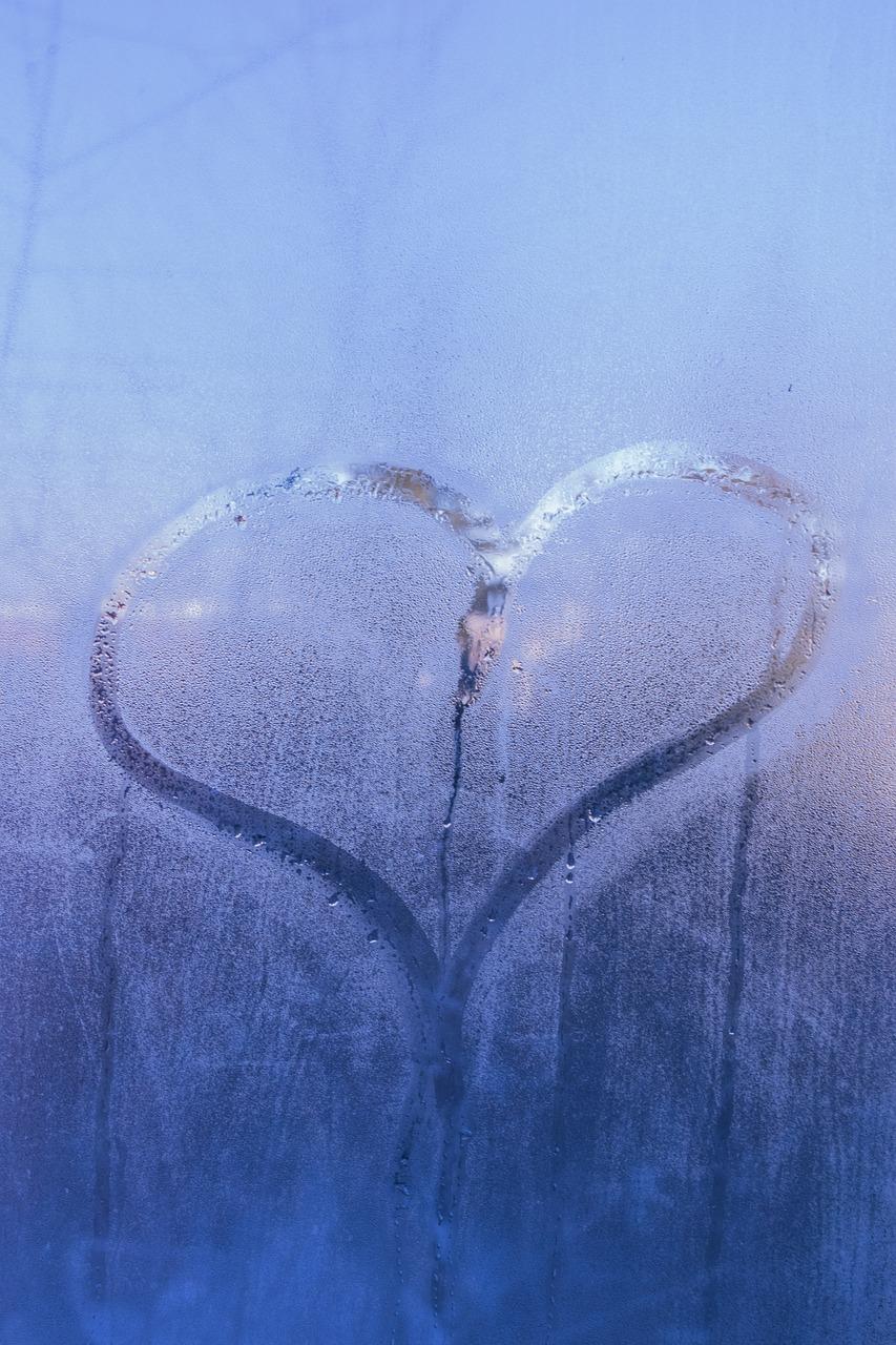 Картинка с грустью сердца