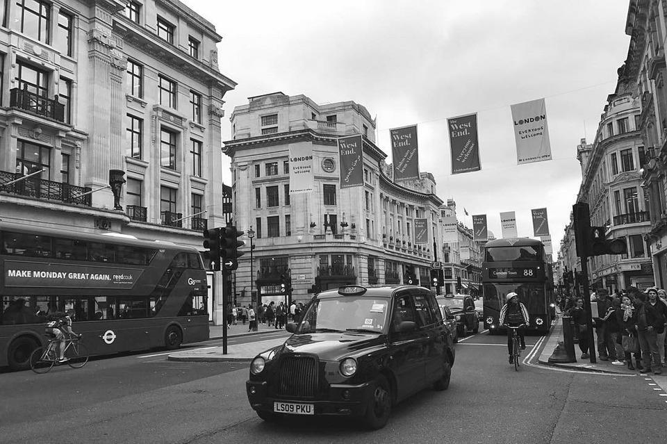 London England Black White Travel Holiday Getaway