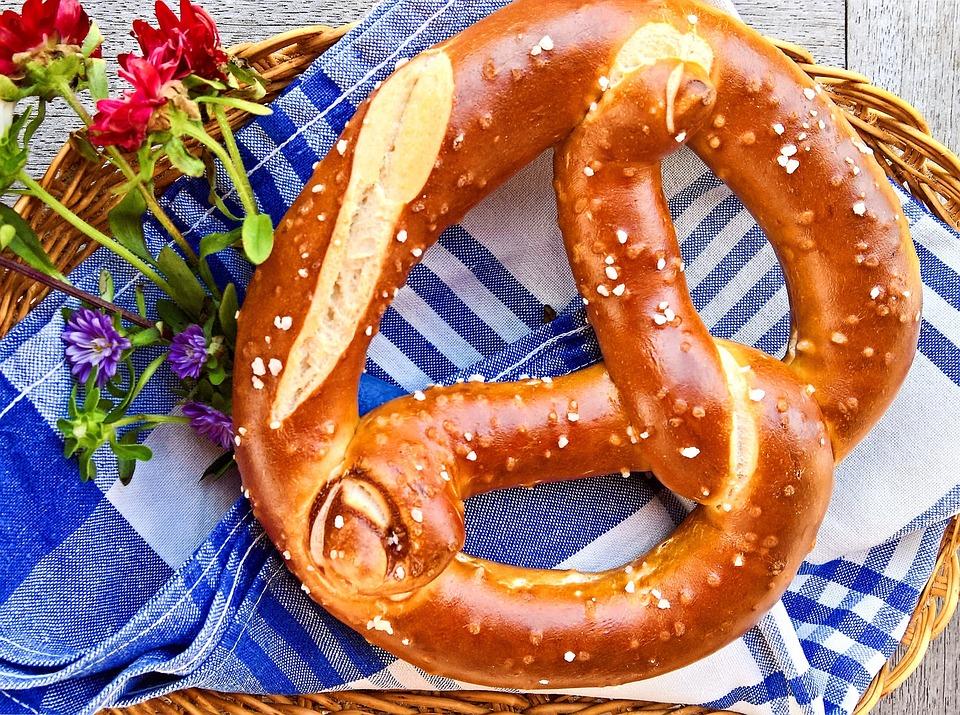 pretzel-2718477_960_720.jpg