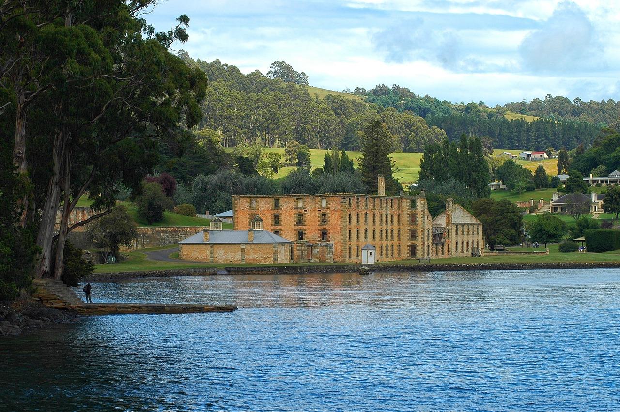Hobart holidays