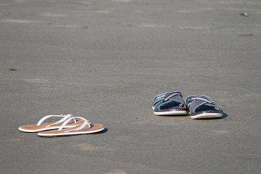60c841de2 100+ Free Flip-Flops   Flip Flops Images - Pixabay