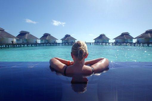 休日, ビュー, 女の子, 夏, モルディブの, 水, プール, 海, ブルー